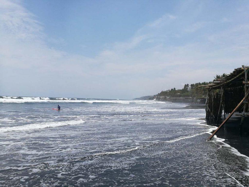 Photo: El Sunzal Beach in El Salvador