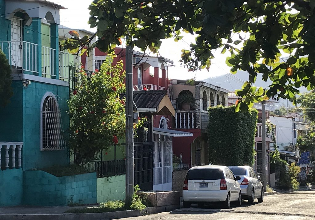 Photo of typical residential street in San Salvador