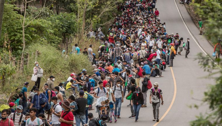 Caravan of 9,000 + Hondurans Headed For The United States